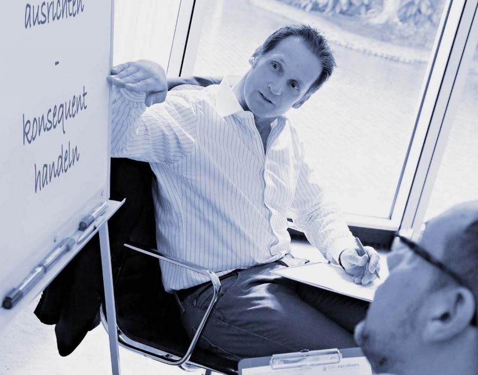 Dirk Jacobsen während Coaching